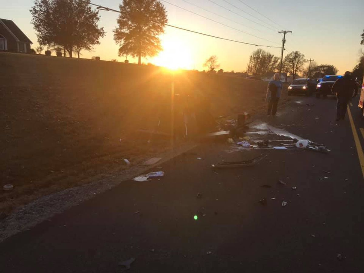 1 person injured in crash involving buggy, vehicle near Wingo, Ky.