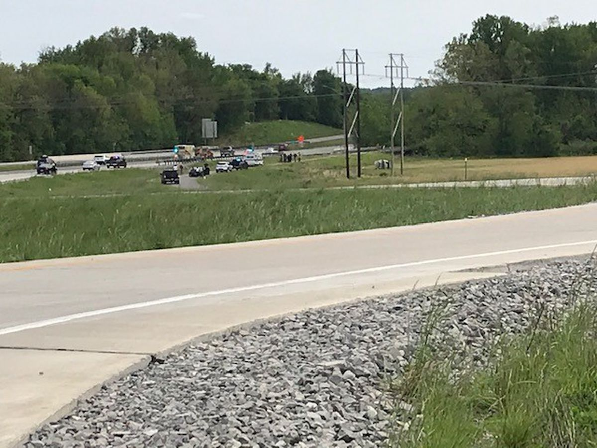 Crews respond to deadly crash on I-55 at Kelso exit