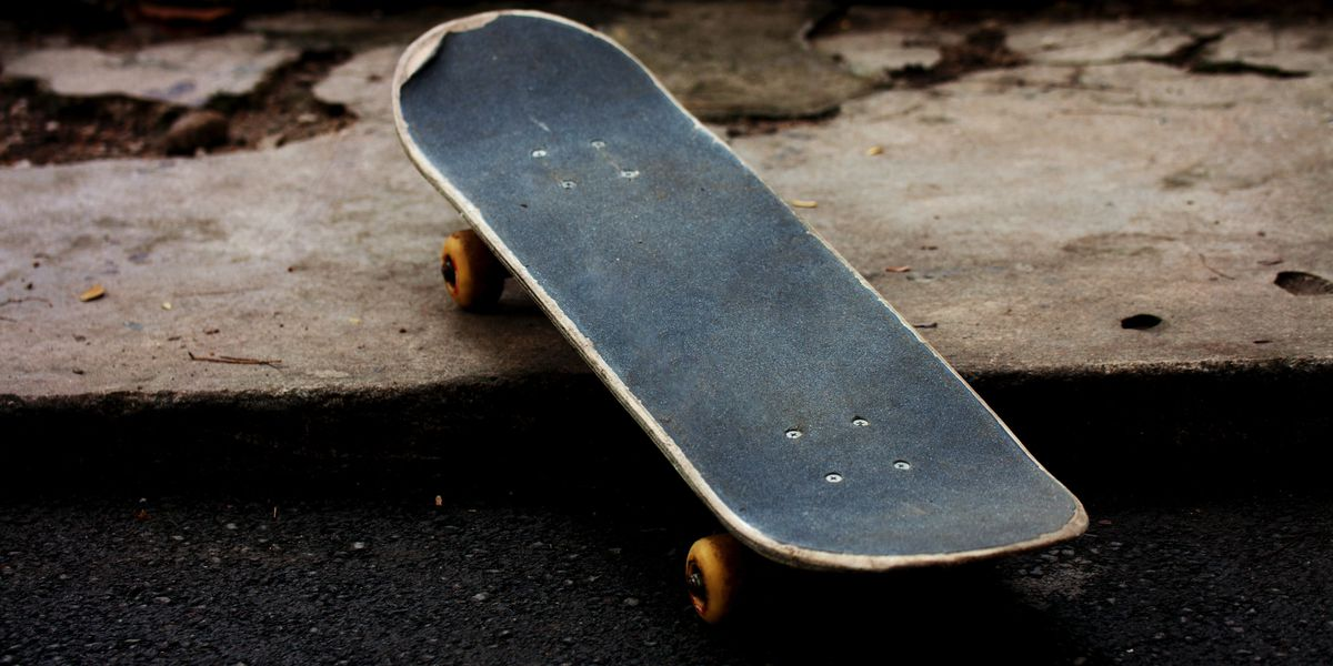 4 caught skateboarding on shopping center roof were 'bored'