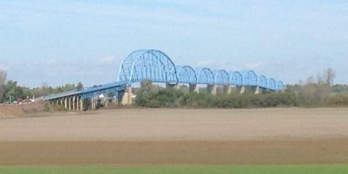 Public urged to stay off U.S. 45 Brookport bridge