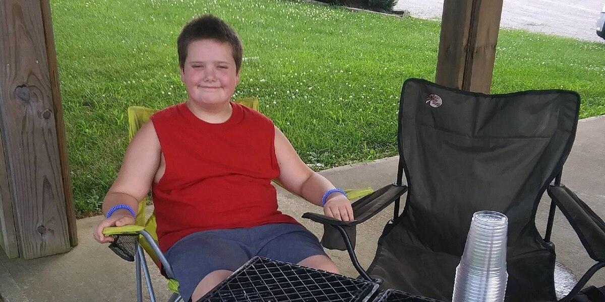 10 year old raises hundreds of dollars for homeless shelter