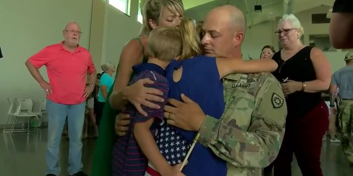 Soldiers leave Owensboro for deployment to Middle East