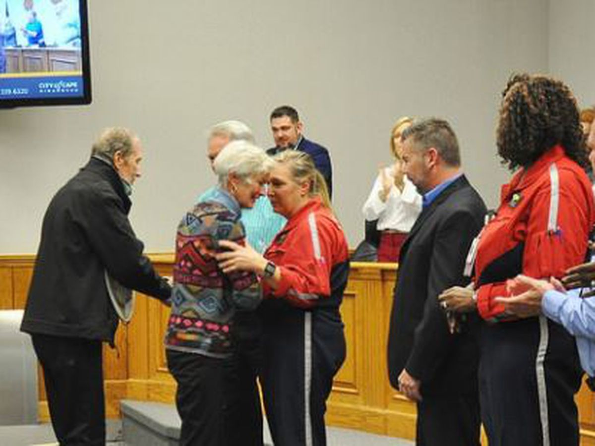 Plane crash responders recognized by Cape Girardeau City Council