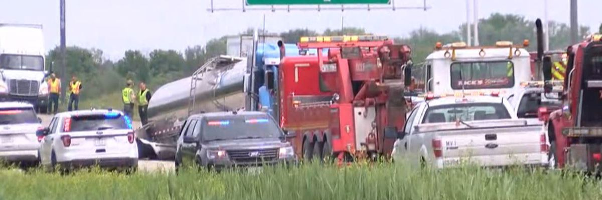 I-57 reopened after deadly crash at I-64/I-57 split in Jefferson County, Ill.