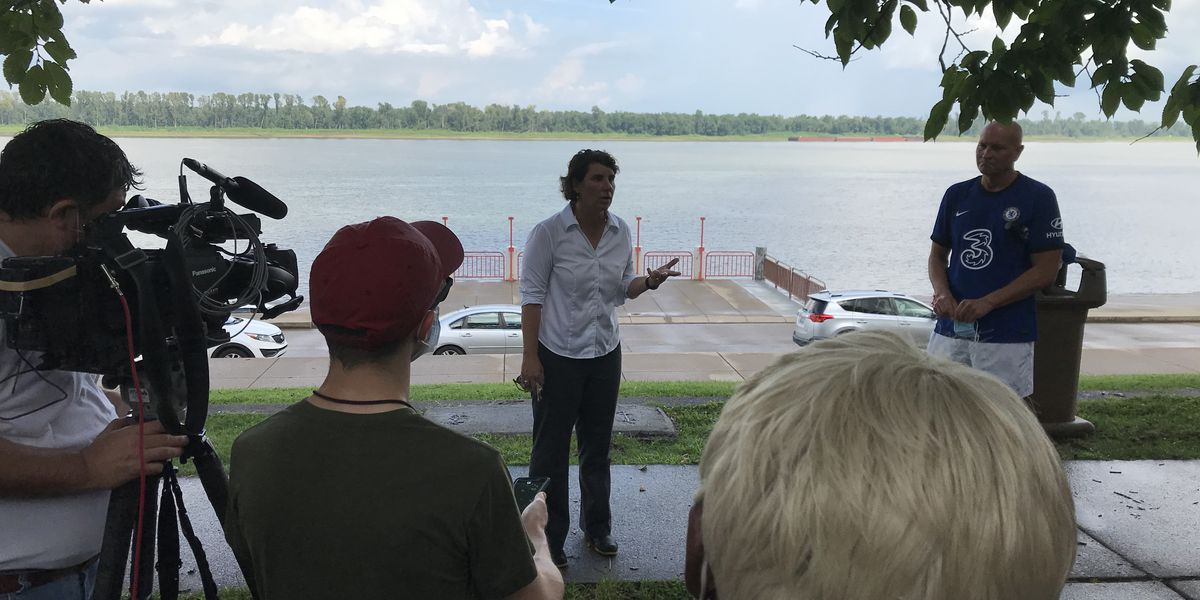Senate candidate McGrath stops in Paducah on statewide tour