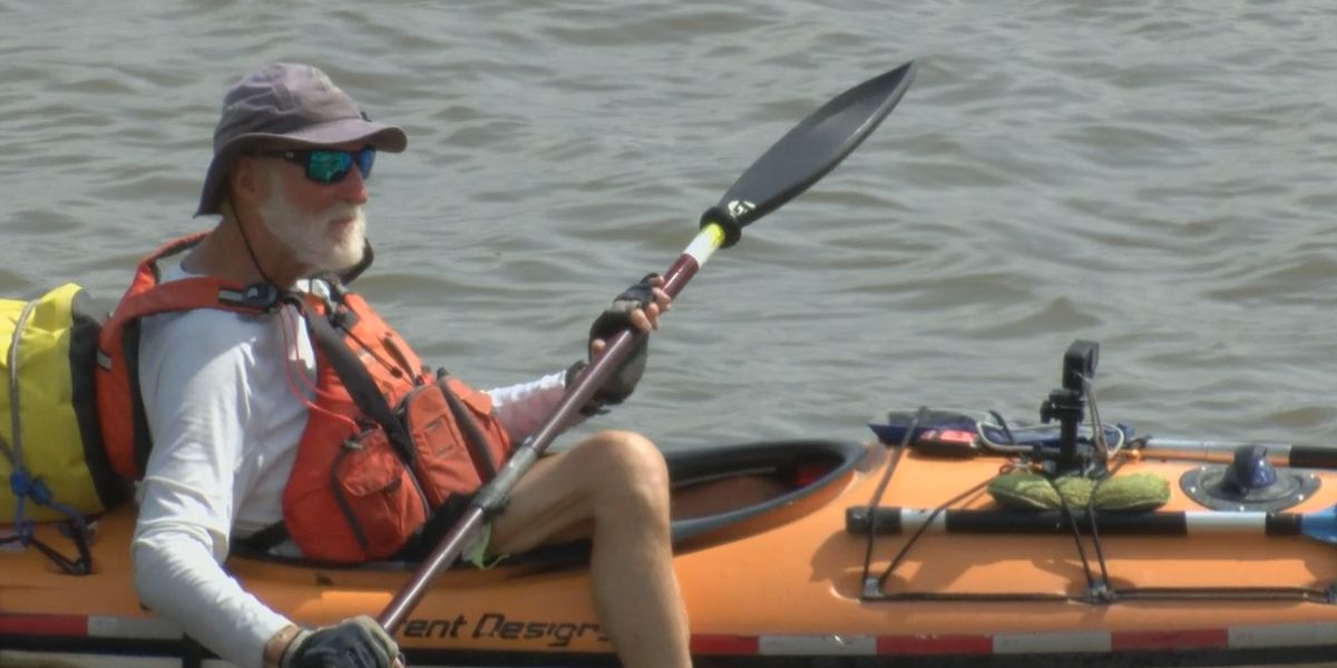 81-year-old veteran stops in Cape Girardeau as he kayaks the Mississippi River