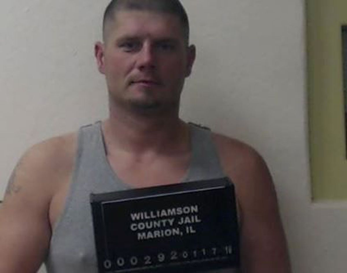 Herrin, IL man wanted in Williamson Co  for burglary
