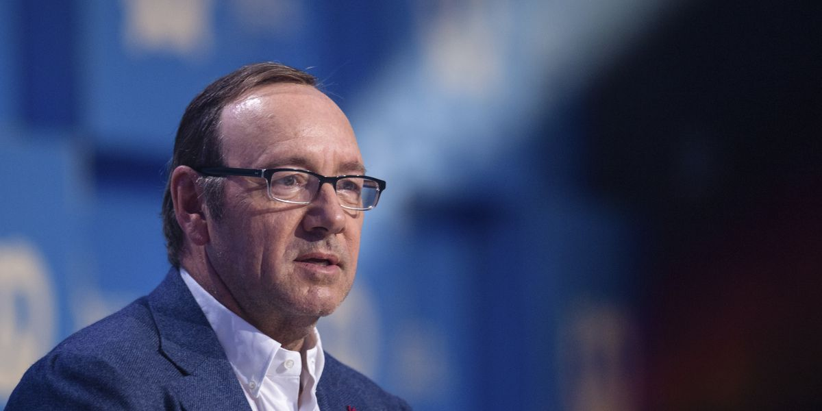 Kevin Spacey faces felony sexual assault charge, defends self with strange in-character YouTube video