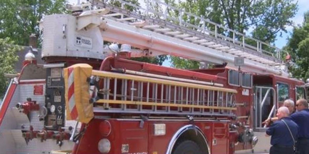 Herrin, IL fire department donates truck to neighbor