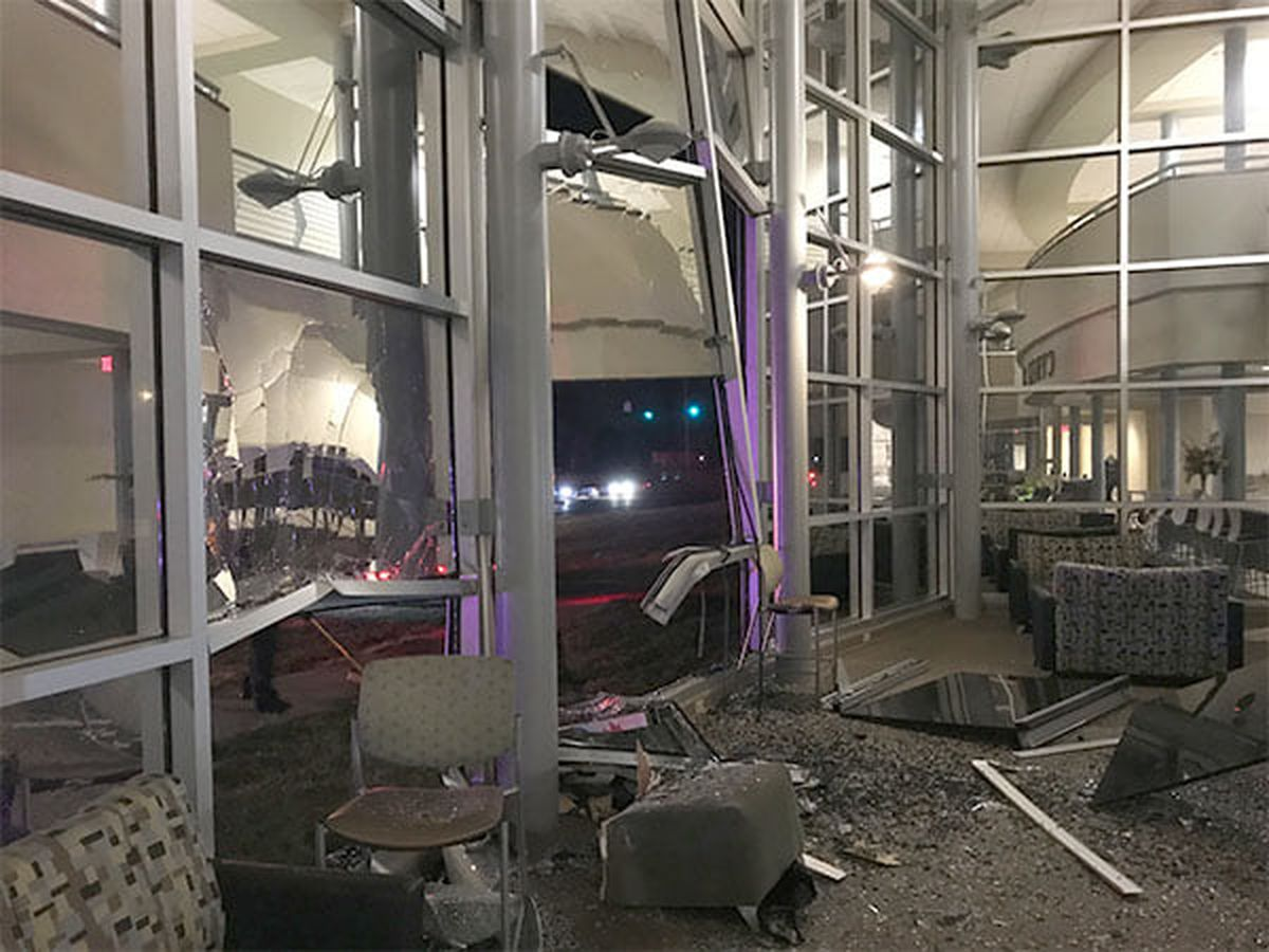 4 people injured when truck crashed into WKCTC building