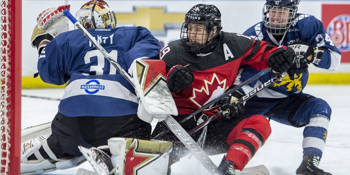 US beats Sweden, cruises into 4 Nations Cup title game