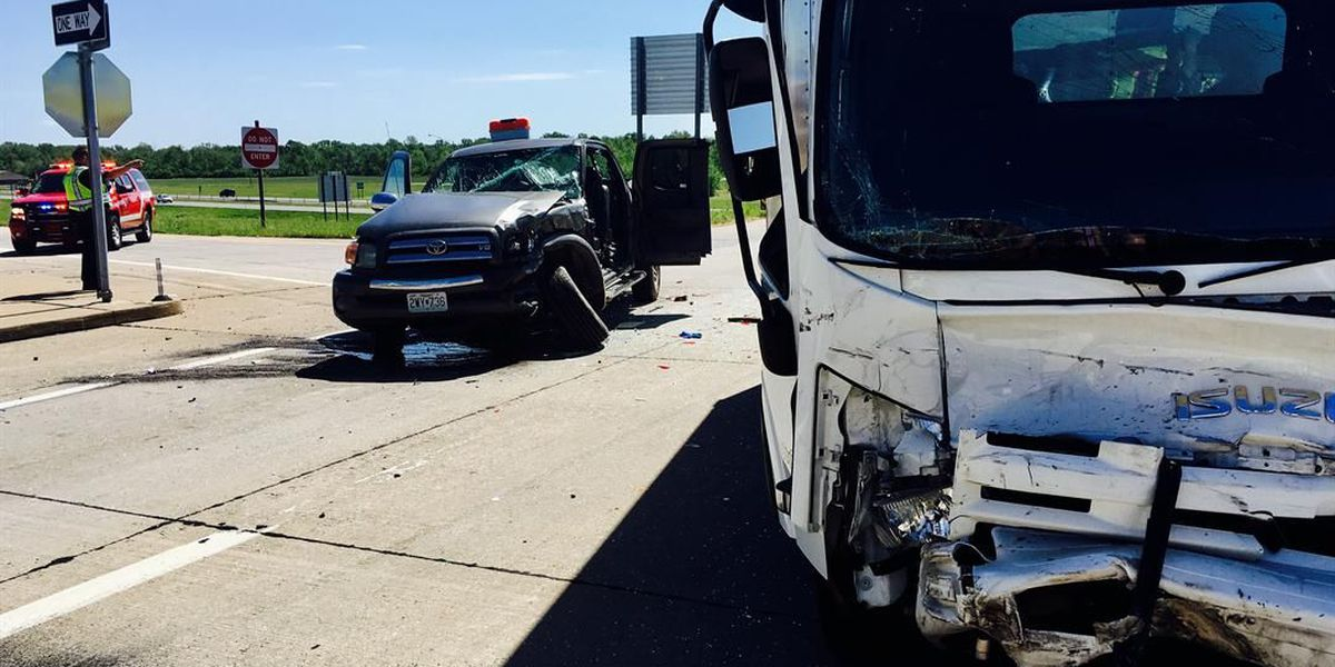 3 hurt in crash on I-55 exit ramp in Cape Girardeau
