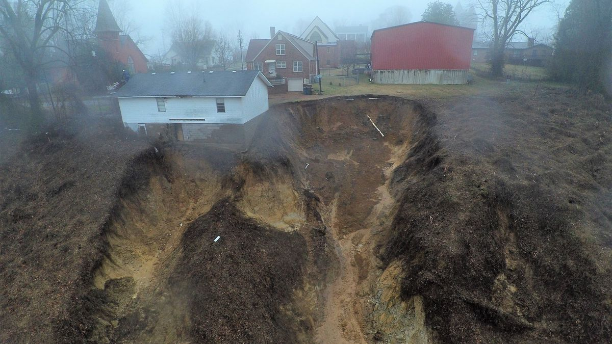 Landslide leads Hickman, Ky. mayor to declare state of emergency