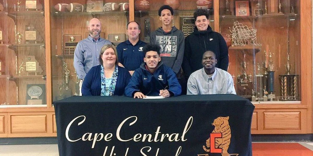 Cape Central soccer player signs with Missouri Baptist