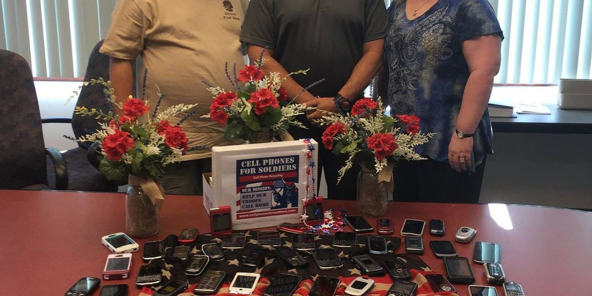 IL town collects cell phones to keep soldiers in contact with loved ones