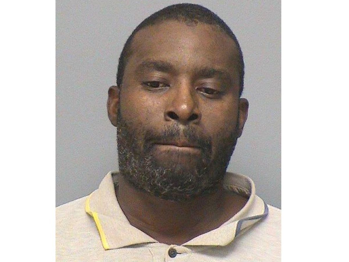 Man arrested on burglary charges in Mt. Vernon, Ill.