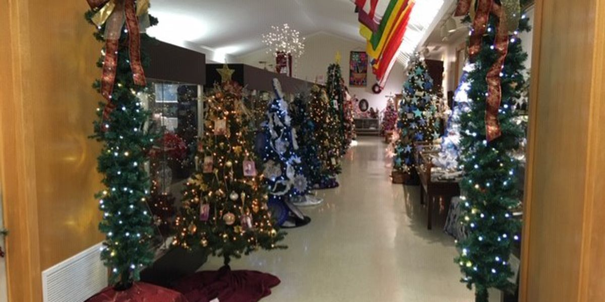 Altenburg museum displays historic Christmas Trees and nativity scenes