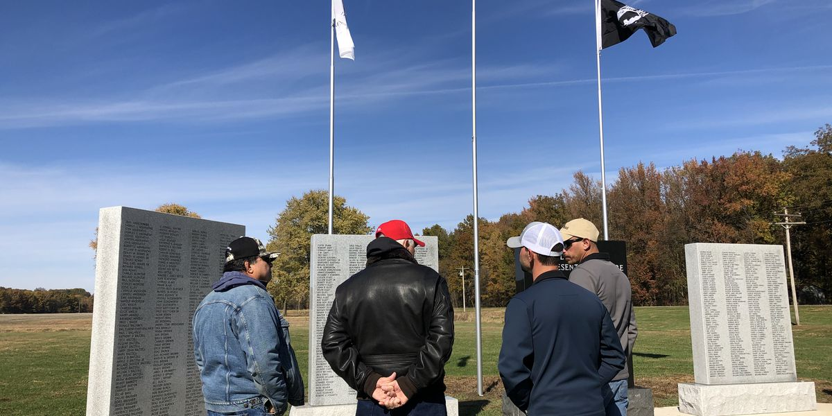 Shawnee School Dist. holds ceremony for Veterans Memorial Wall