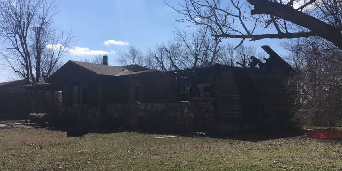 Man dead after early morning house fire in Sikeston, MO