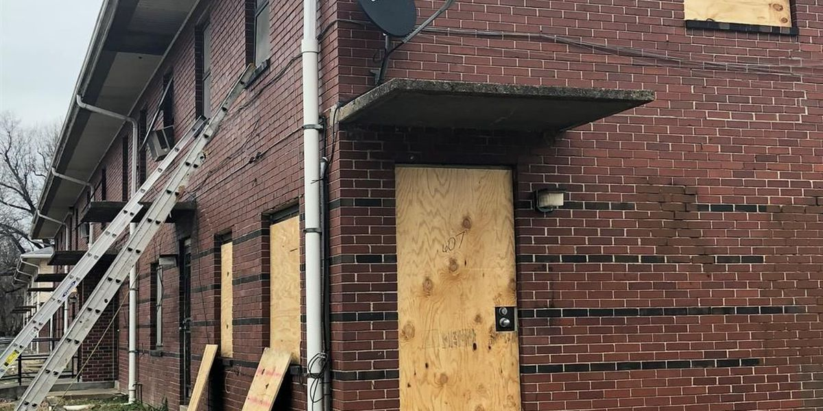 Cairo, IL public housing complexes being boarded up