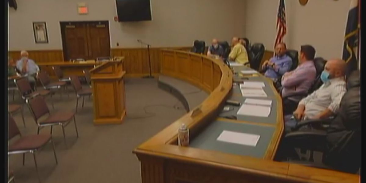 Cape Girardeau city commissioners to publicly apologize after 'hot mic' moment before meeting