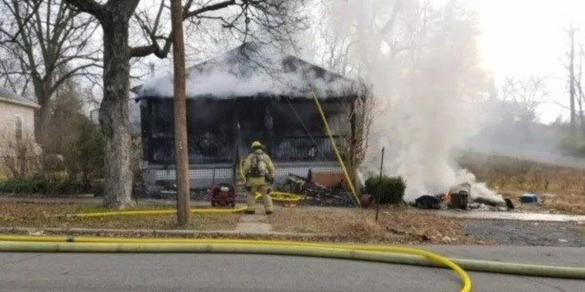 Woman helps family of 7 affected by Cape Girardeau house fire