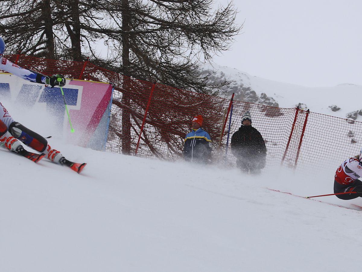 Mikaela Shiffrin wins World Cup parallel slalom event