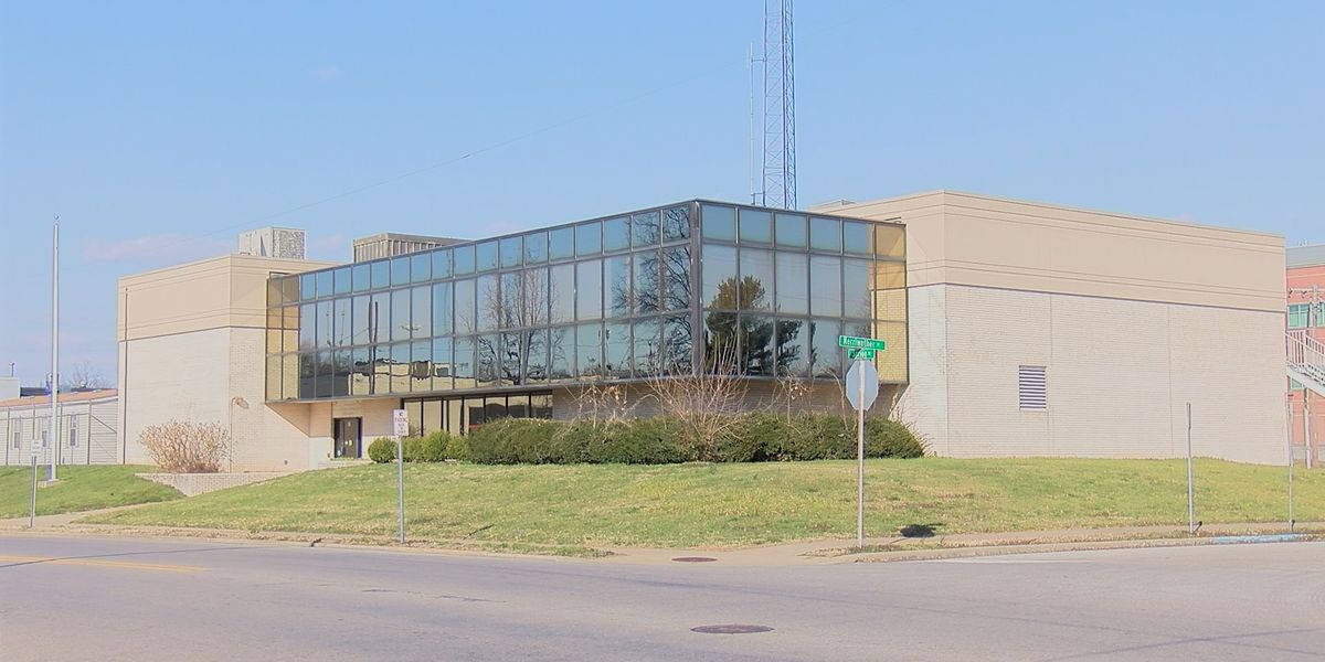 Former Cape Girardeau Police HQ for sale