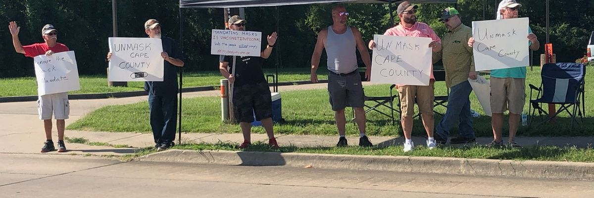Demonstrators hold peaceful protest against Cape Girardeau Co. mask mandate