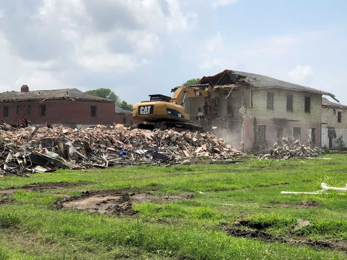 Demolition starting on Cairo, Ill. housing complexes
