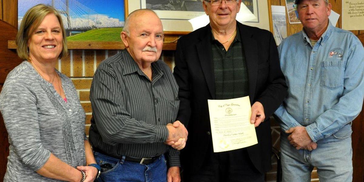 "Mayor declares ""Thank a Farmer"" week in Cape Girardeau"