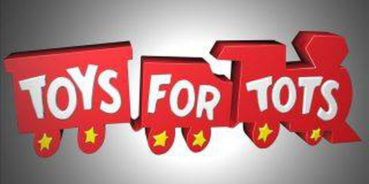 Carbondale firefighters and Marines collect Toys for Tots