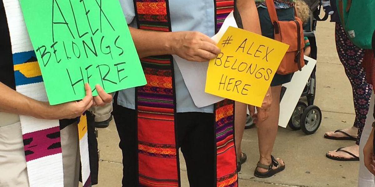 Clay seeks to free Honduran residing in sanctuary at church