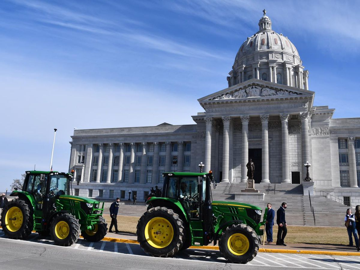 Gov. Parson proclaims National FFA Week in Mo., drives tractor to State Capitol