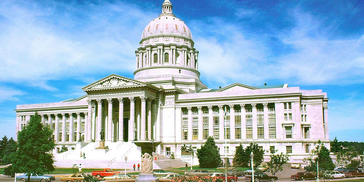 Missouri lawmakers honor ex-governor with portrait