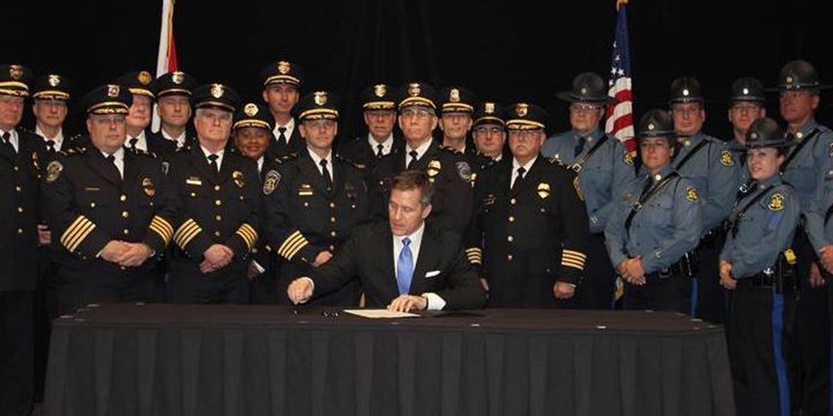 Greitens signs order expanding Homeland Security Advisory Council