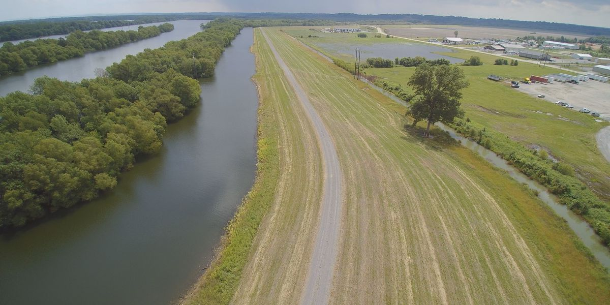 Businesses hesitant to commit in protected areas around Cape Girardeau due to Mississippi River flooding