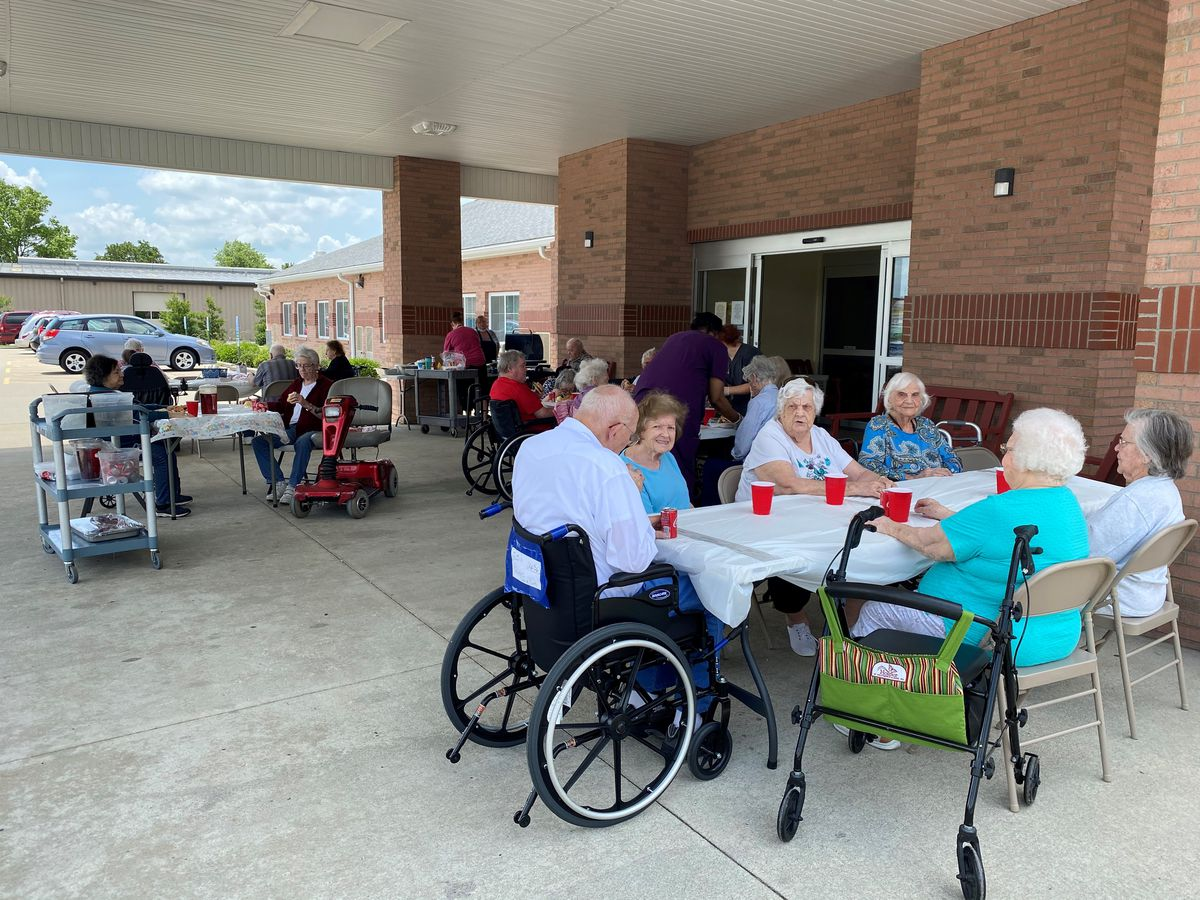 Marion, Ill. assisted living center holds Memorial Day cookout