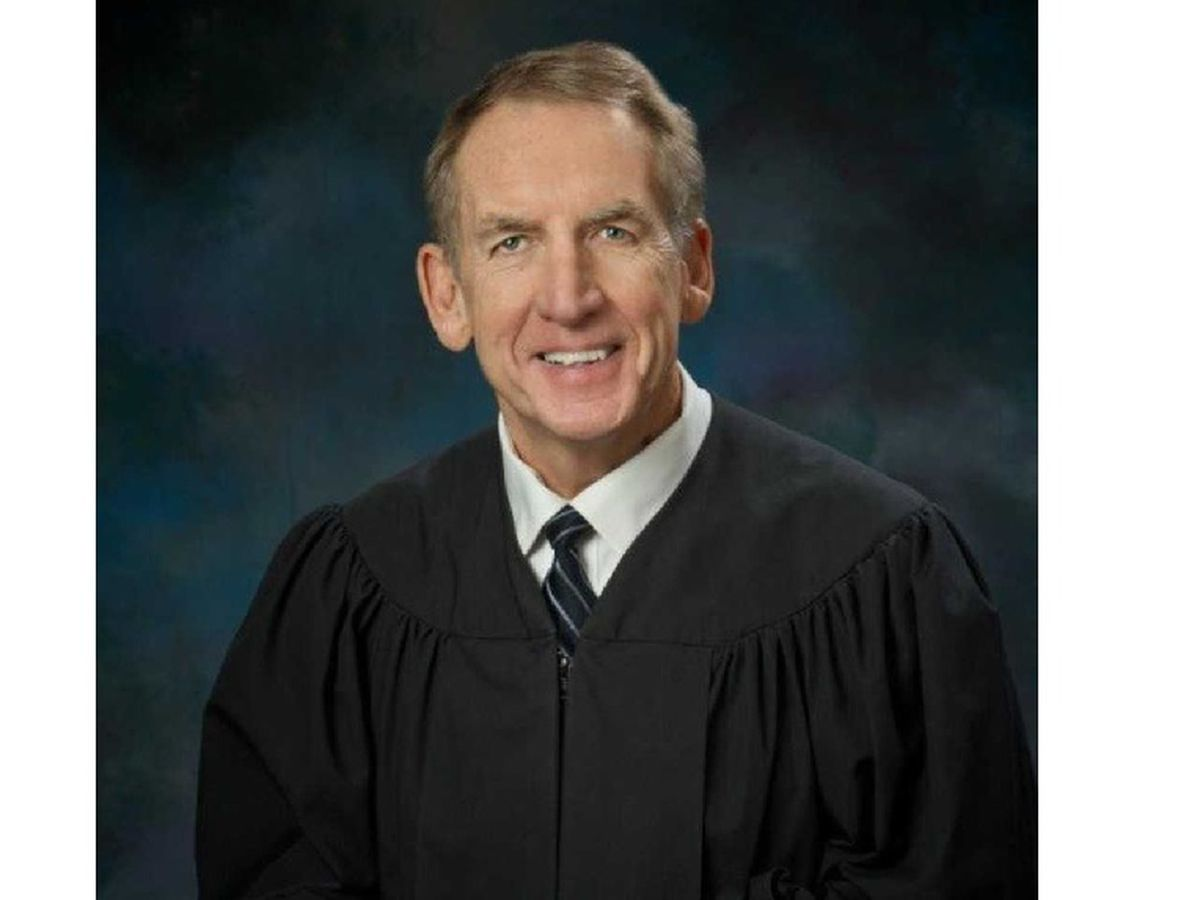 Retired Kentucky Supreme Court Justice to teach legal studies course at Murray State University