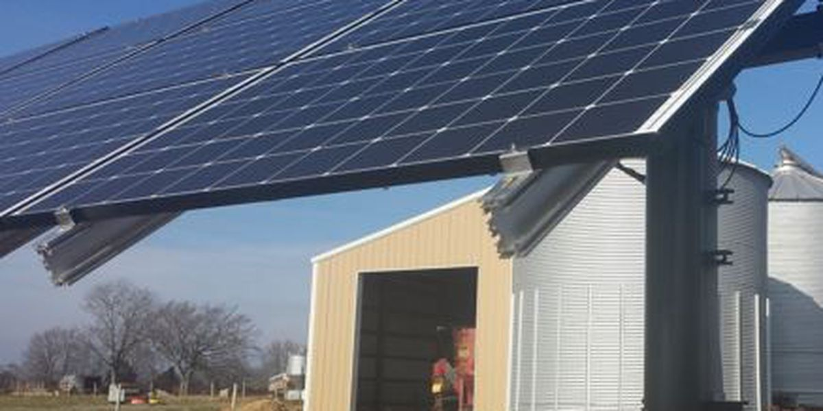 Southern IL farmers learn about solar energy