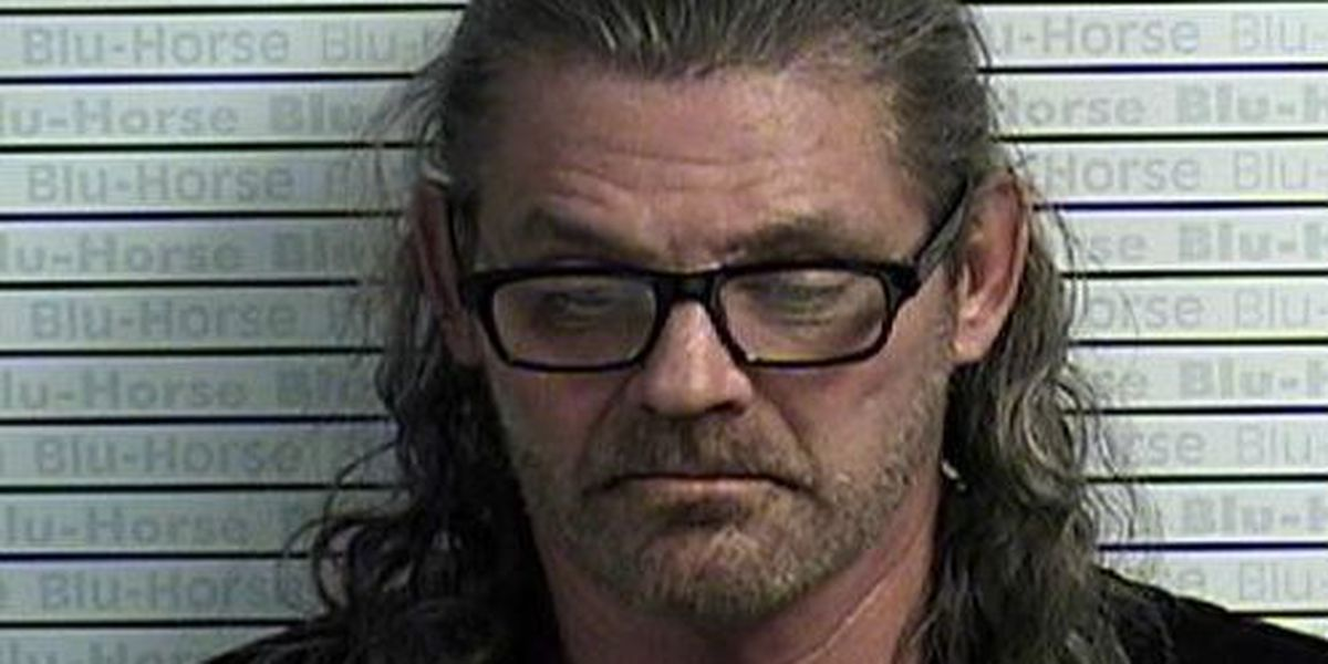 Graves County deputies arrest man of pistol whipping father