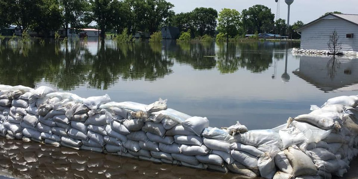 Red Cross shelter moved to Cape Girardeau, Mo. for flood victims