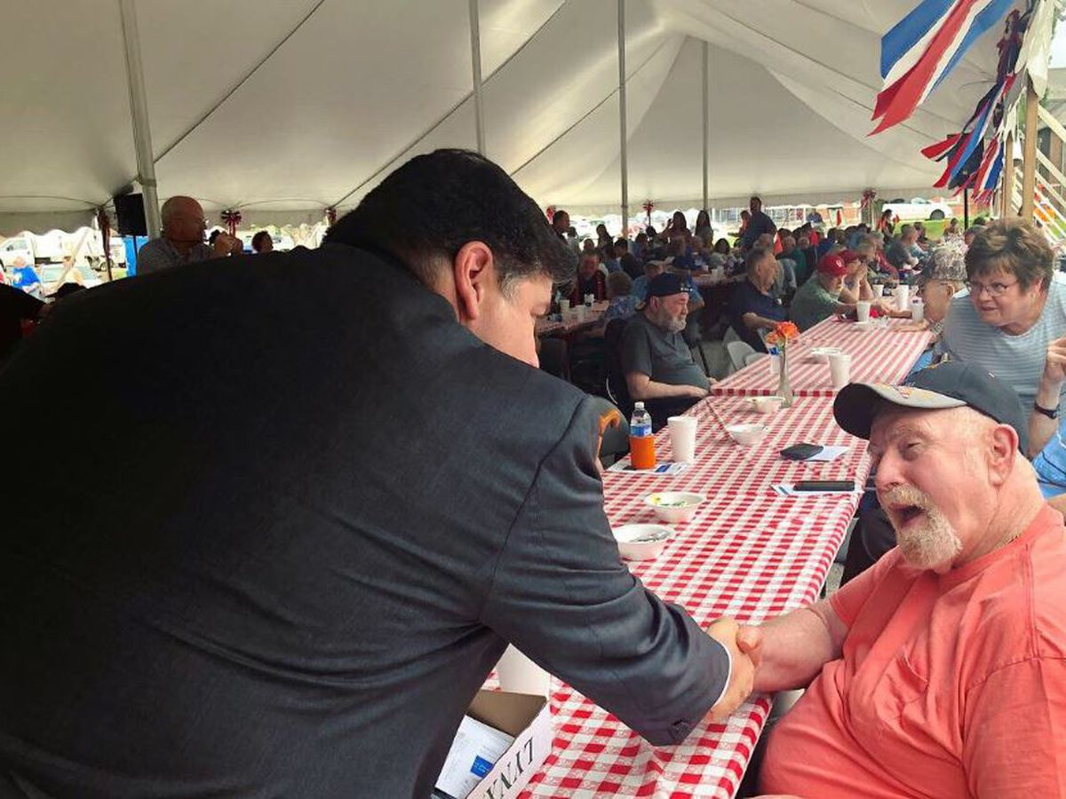 Ill. governor attends Quincy Veterans' Home family picnic