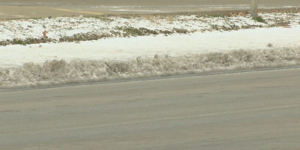 Crews prepare roads for severe winter weather