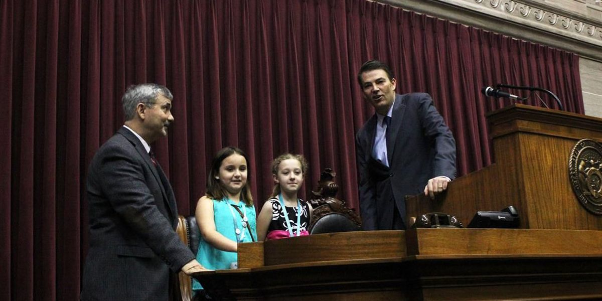 Second graders visit with state legislators in Jefferson City