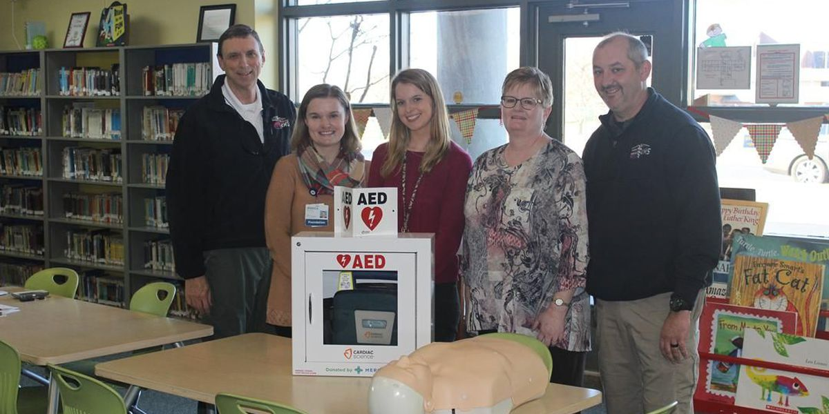 Foundations donate defibrillator to Paducah, KY elementary school