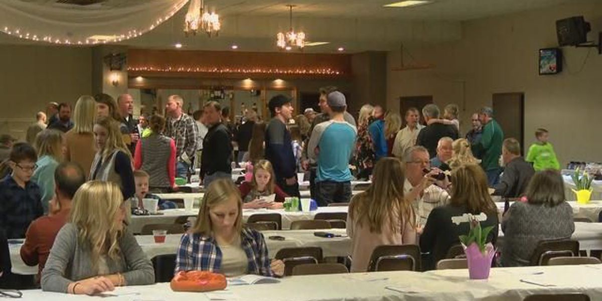 Families of Perryville tornado attend special dinner