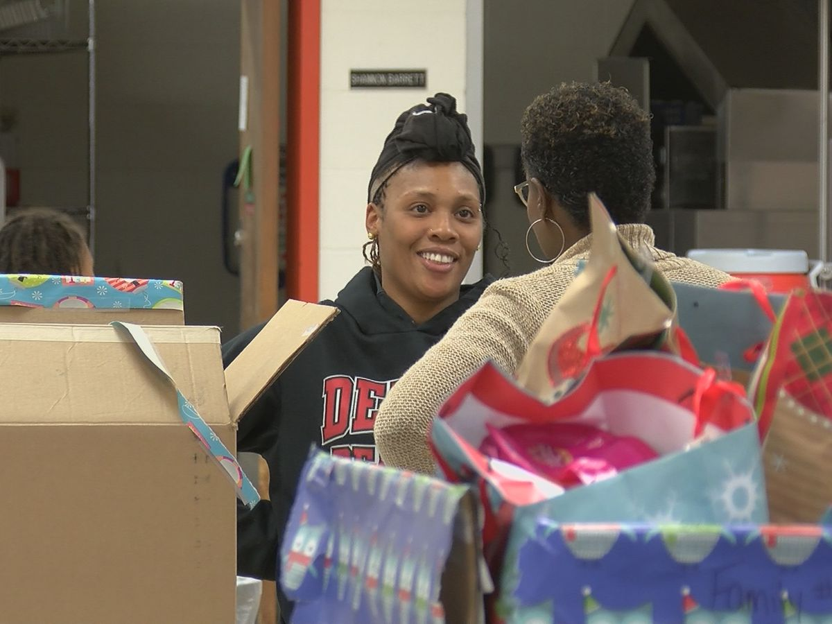 Cape mentoring program gives gifts, necessities to families in need