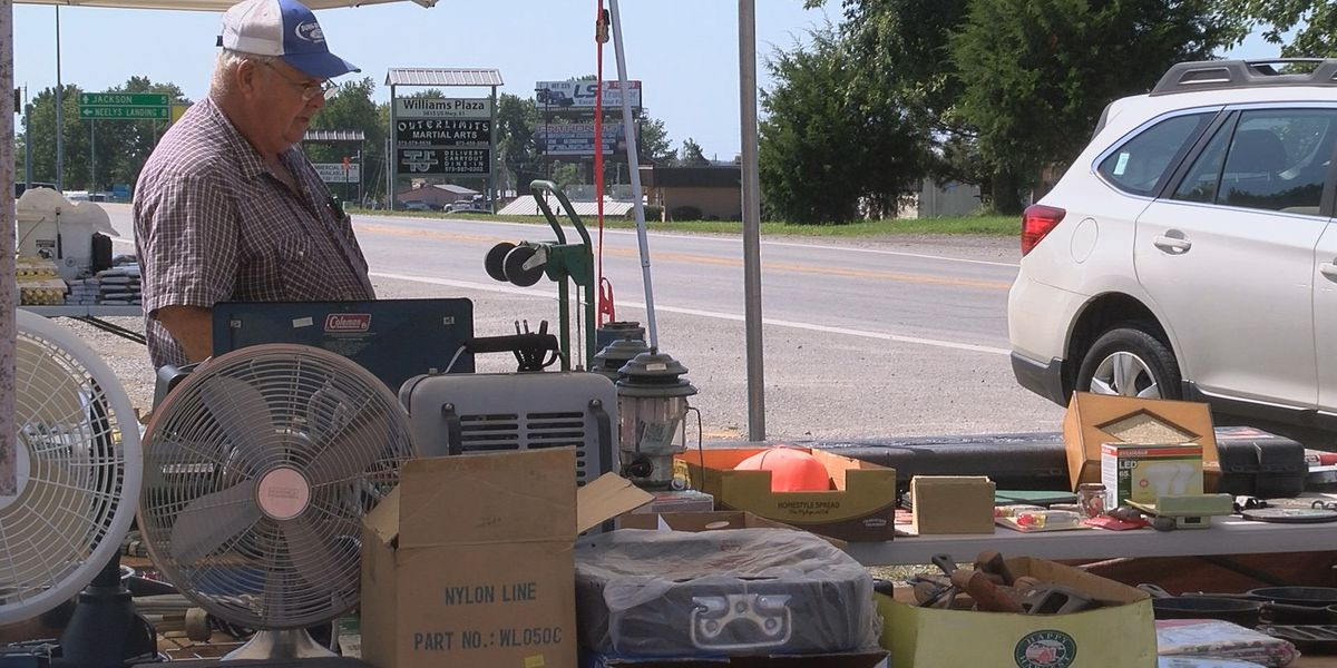 Drivers be aware of Highway 61 Yard Sale