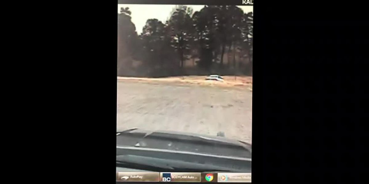 RAW VIDEO: Graves Co. deputies chase suspect through soybean fields